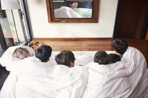 '이불 밖은 위험해' 원년 멤버 엑소 시우민, 합류 결정…워너원 강다니엘과 막강 라인업